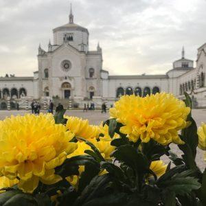 cimitero monumentale dettaglio fiori