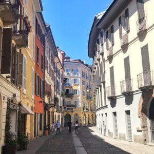 i vicoli di Brera a Milano